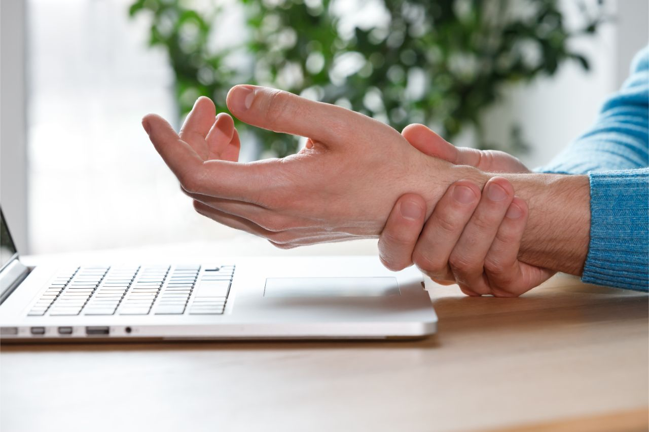How A Chiropractor Can Help Treat Carpal Tunnel Syndrome